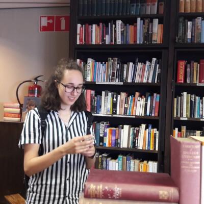 Elise zoekt een Kamer / Studio / Appartement in Utrecht